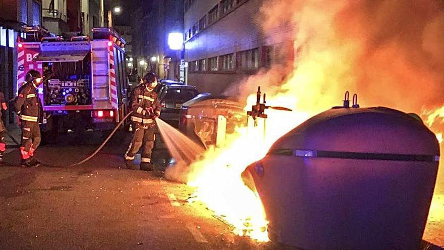 Nuevo incendio de un contenedor de basura en Gijón