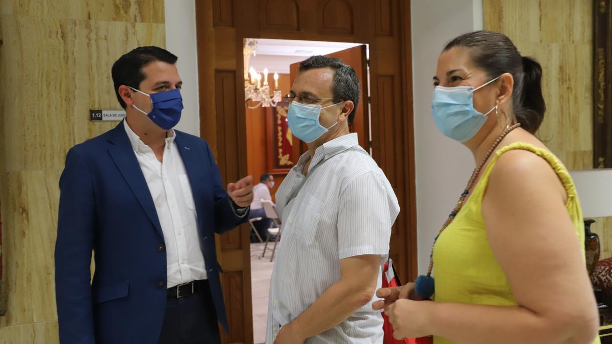 José María Bellido, Juan Andrés de Gracia y Eva Contador, en una imagen de archivo.