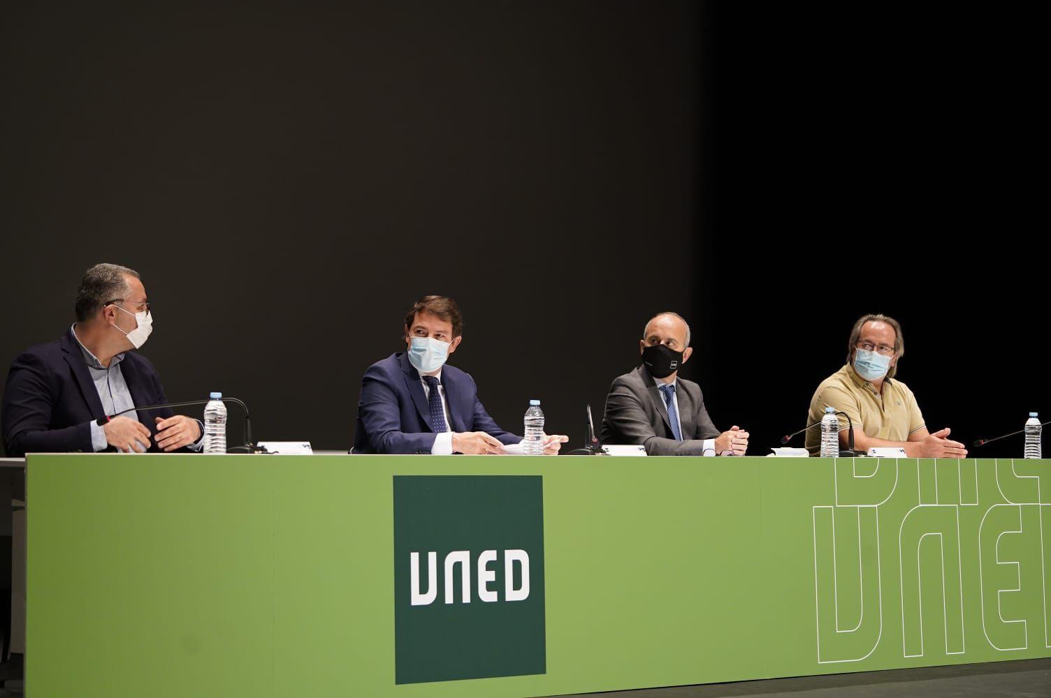 GALERÍA | Mañueco, en la inauguración del curso en la UNED de Zamora