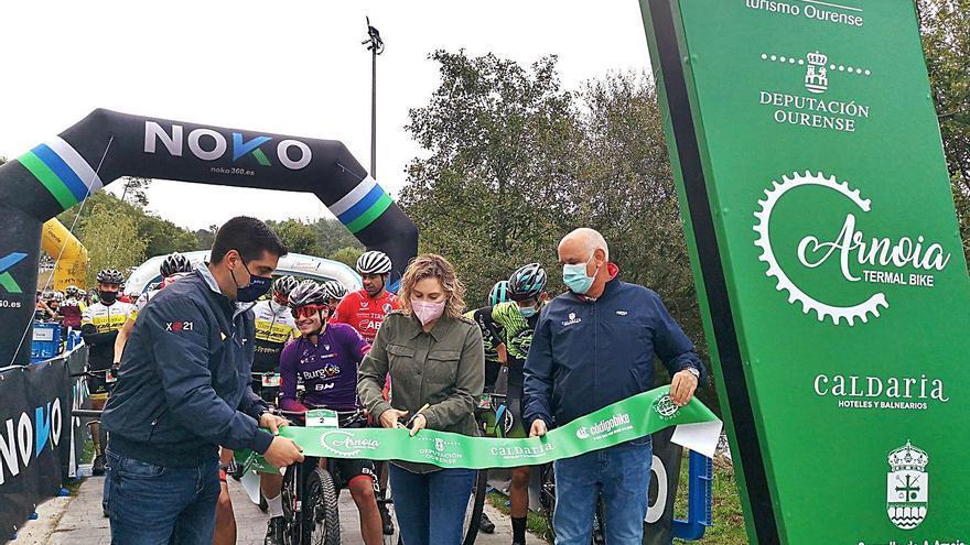 250 ciclistas descubrieron la belleza de Arnoia