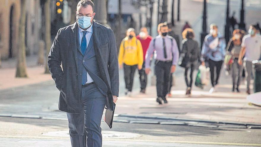 El virus se desboca y obliga a cerrar el casco urbano de Oviedo, Gijón y Avilés dos semanas