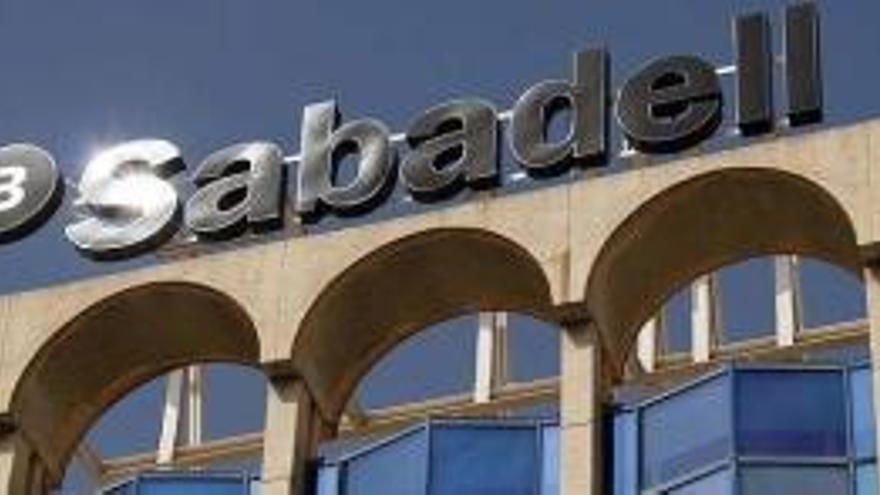 Banc Sabadell perd un 1% i CaixaBank un 0,69%