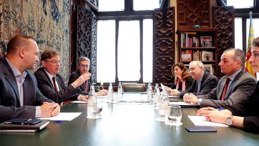 El Consell y la CEV analizarán colaboración público-privada el tren de la costa
