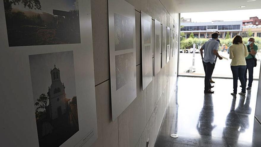 Doblete expositivo en Castrillón: fotos en el Valey y pinturas en Arnao