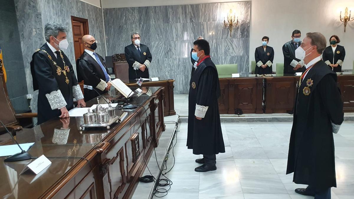 Juan Luis Lorenzo Bragado, durante el acto de jura.