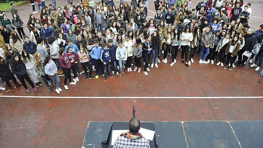 Seoane denuncia la saturación de los tres institutos del municipio
