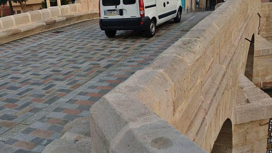 Abre al tráfico rodado y peatonal el puente del siglo XVIII de Rojales