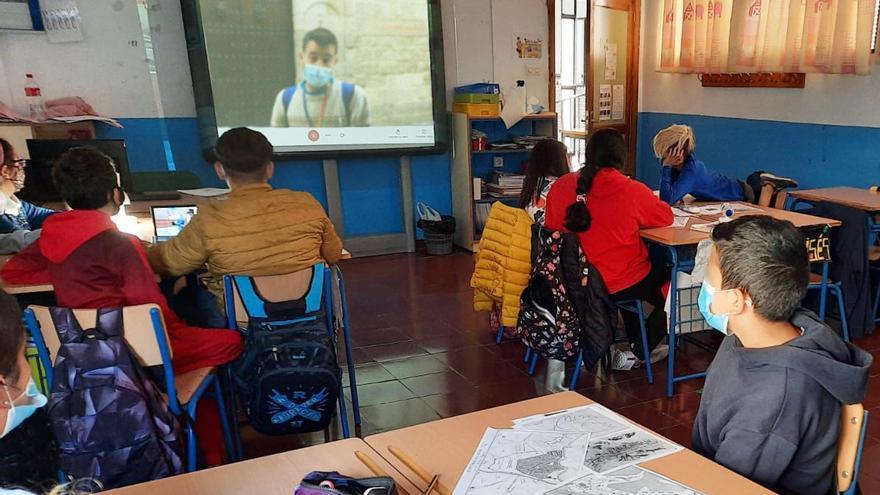 El alumnado de una de las visitas guiadas online de Explora Málaga.