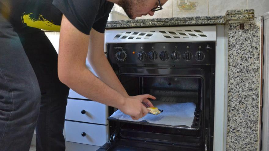 Truco casero para limpiar una olla quemada HANDBOX
