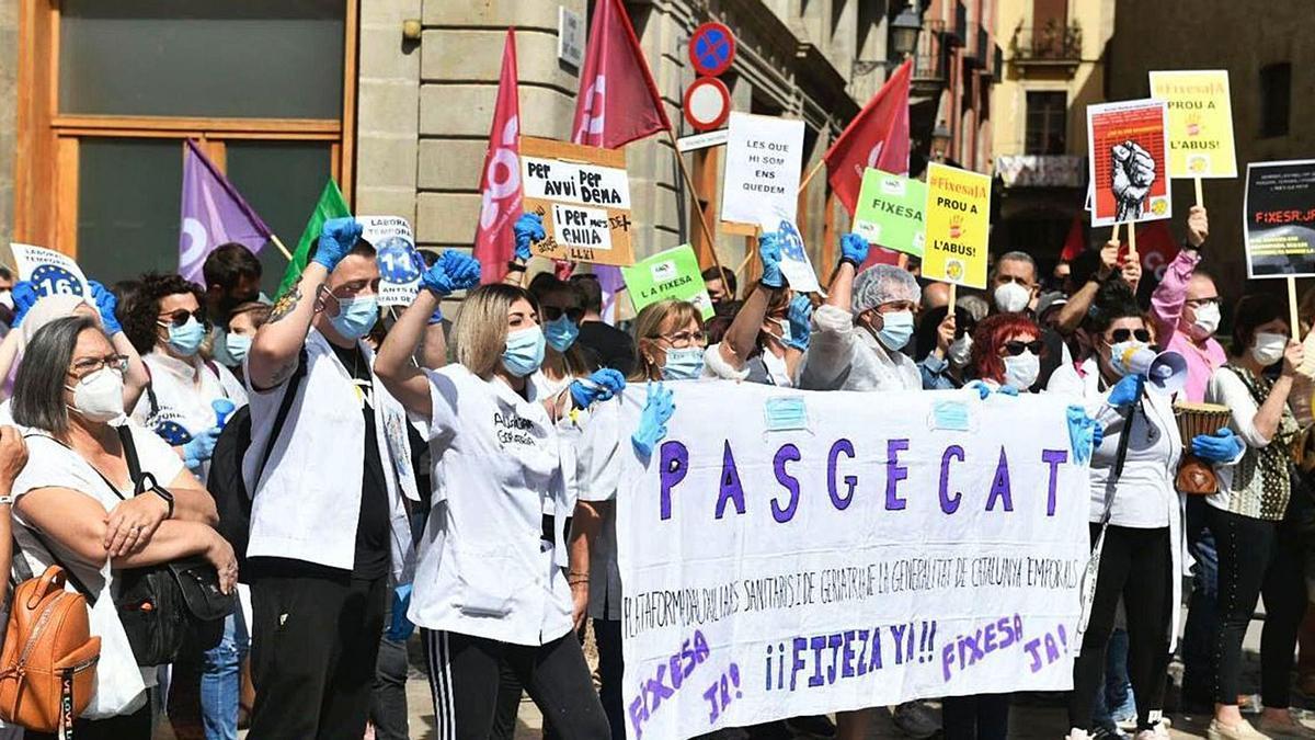 Imatge d'arxiu d'una protesta d'un col·lectiu d'interins a Barcelona.   JORDI COTRINA