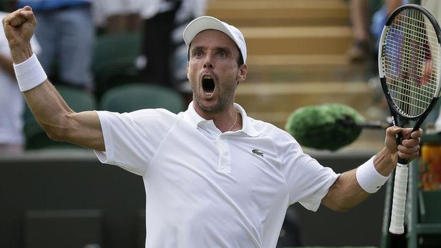 Bautista exhibe su potencial para alcanzar los octavos en Wimbledon