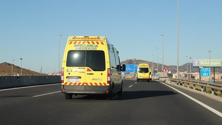 Cuatro heridos tras colisionar tres motos en Lorca