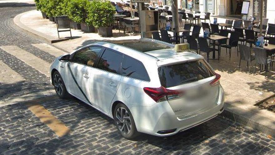 Els taxistes empordanesos donen ple suport a la vaga de Barcelona per Uber i Cabify