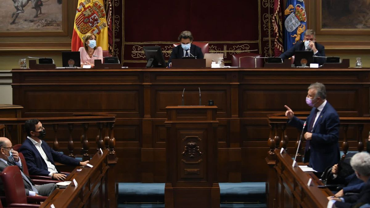 Ángel Víctor Torres, en la sesión de este martes del Parlamento de Canarias.