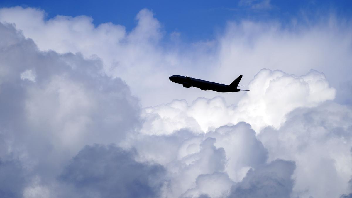Un avión despega del aeropuerto de Heathrow
