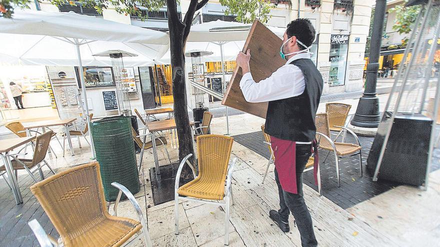 El 53% de los valencianos realiza horas extra que no están controladas o pagadas