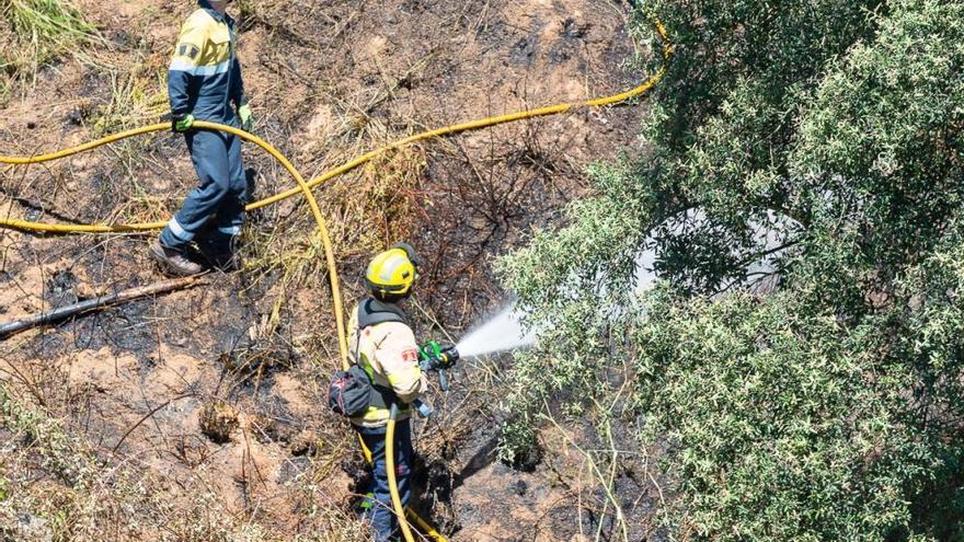 Cremen prop de dues hectàrees en  dos incendis agrícoles a Llagostera