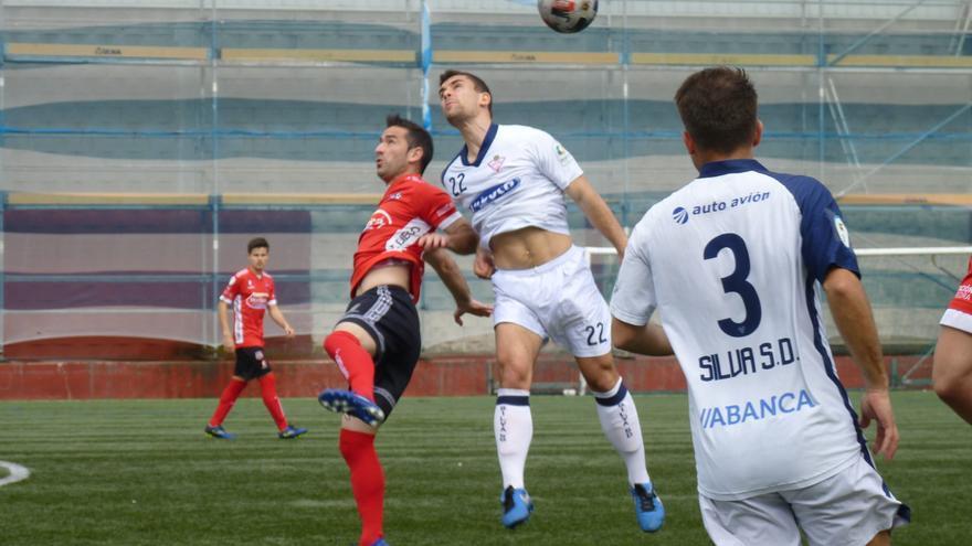 El Estradense golea al Silva (1-4) en el inicio del playoff de ascenso