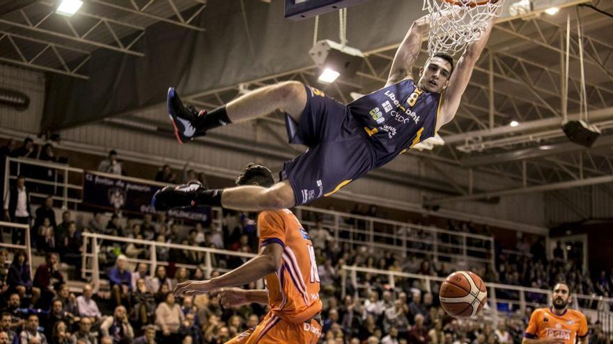 Álex Reyes se desvincula del Liberbank Oviedo Baloncesto y apunta a la ACB