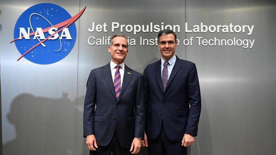 Pedro Sánchez visita en Los Ángeles un laboratorio de la NASA