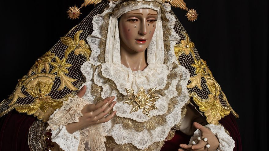 La asociación de fieles de Dos Hermanas presenta la restauración de la Virgen de la Encarnación