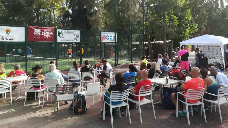 Agradable ambiente en el Club de Pádel 79 de Benicàssim