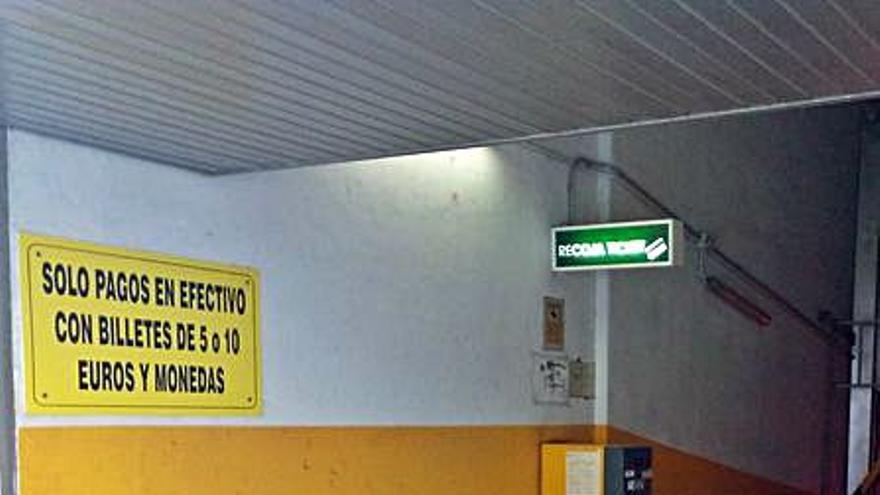 Piden adaptar los cajeros del parking de San Vicente para pagar con tarjeta y móvil