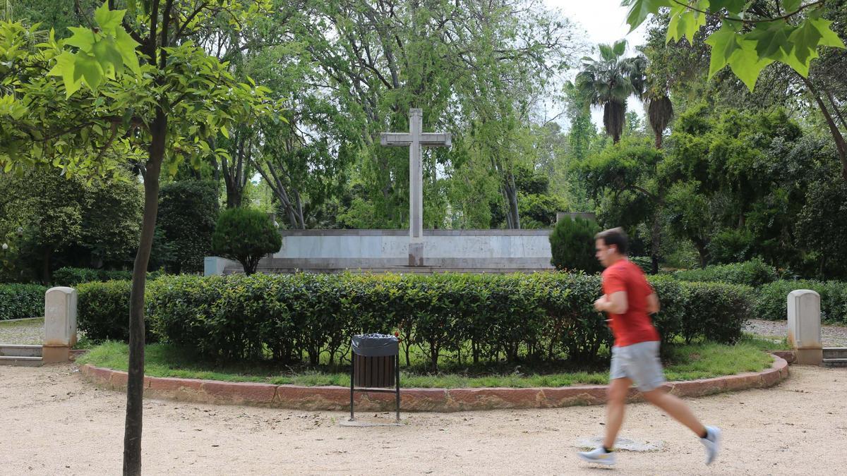 La cruz de los caídos está ubicada en el parque Ribalta de Castelló.