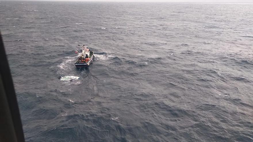 Rescatan a cinco tripulantes de dos embarcaciones de recreo en Canarias