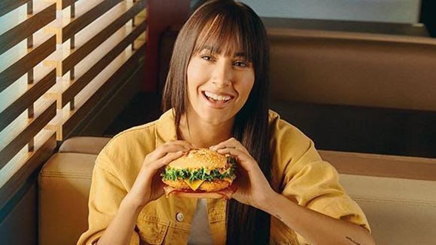"""Aitana promociona un menú que no puede comer por su intolerancia: """"Es mi favorito""""."""