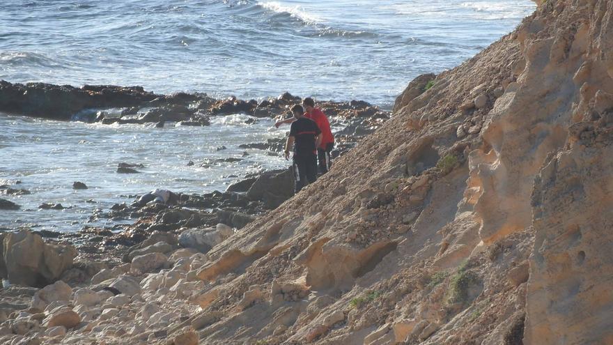 Encuentran un cadáver flotando en Formentera