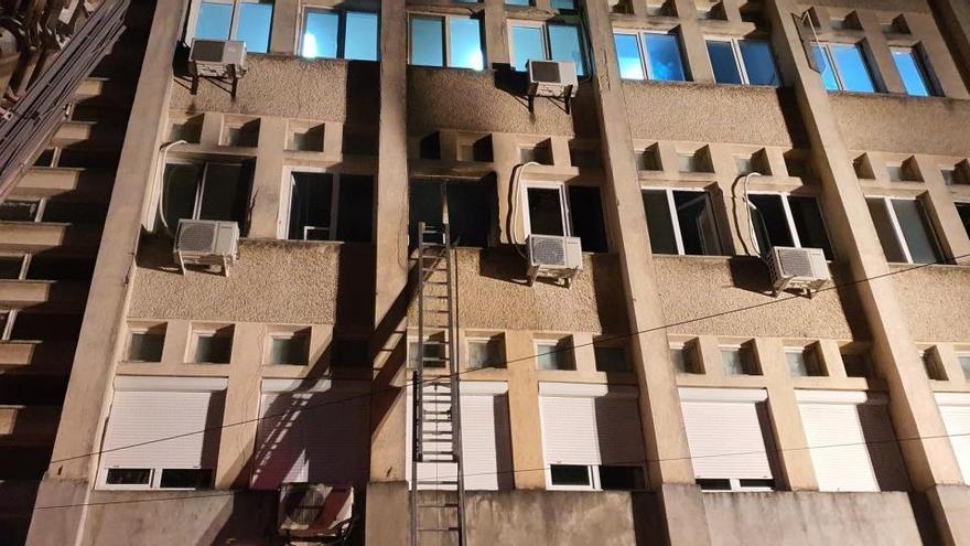 Mueren ocho enfermos con COVID al incendiarse una UCI en un hospital de Rumanía
