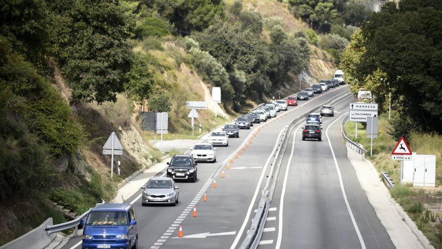 L'operació tornada deixa cues quilomètriques a la C-16, al Berguedà