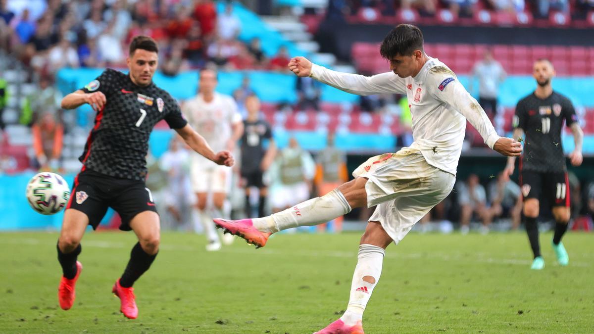 Morata fusila la portería de Croacia en la prórroga de octavos de final