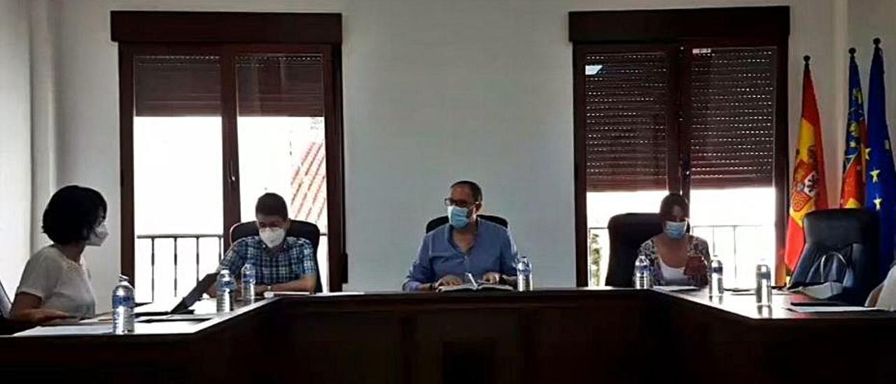 Pantallazo de la grabación del pleno local de ayer en Millares | LEVANTE-EMV