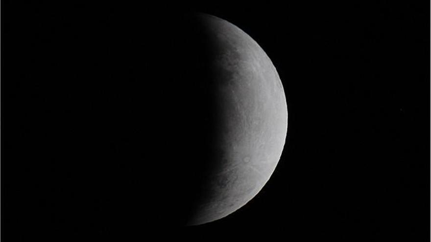 Así fue el eclipse de la luna visto desde Montaña Cabreja de San Mateo