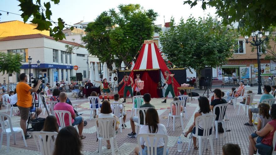Arte, teatro, música y cine se instalan en Orpesa