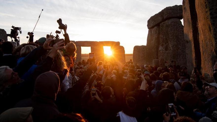 Stonehenge recibe el solsticio de verano.