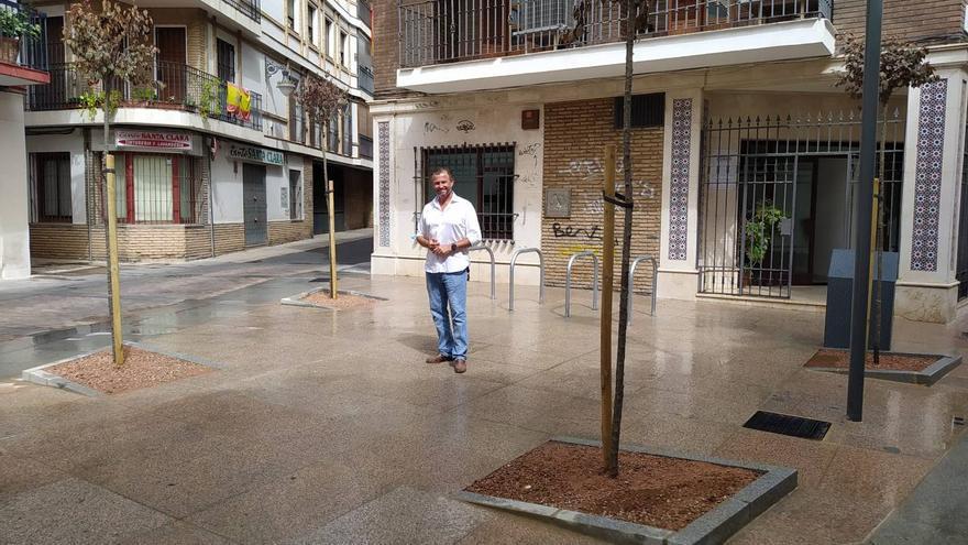 La reforma de la calle Duque de Fernán Núñez permite construir una pequeña plaza con varios árboles