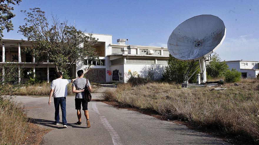 Els ecologistes alerten de l'enderroc «imminent» de Ràdio Liberty a Pals i volen alternatives