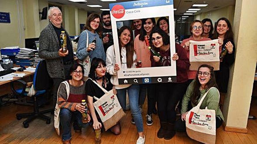 Coca-Cola presenta sus últimos productos en un encuentro en la sede de LA OPINIÓN