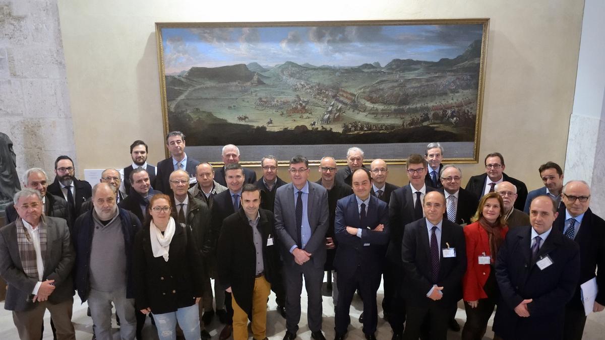 La Asociación de Juristas en una visita a las Corts Valencianes