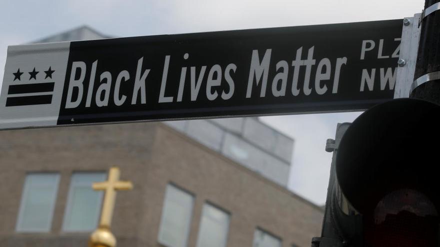 Washington cambia el nombre de una calle frente a la Casa Blanca por 'Black Lives Matter'