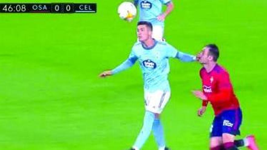 El inverosímil penalti con el que Alberola Rojas castigó al Celta en Pamplona