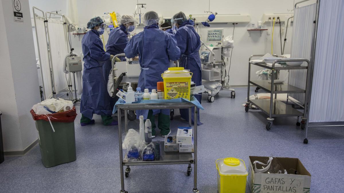 Zona aledaña a los quirófanos del Hospital General de Alicante para pacientes covid