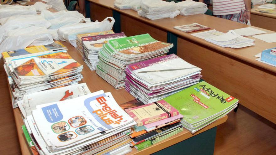 Los socialistas reclaman a la Junta la gratuidad de los libros de texto en Primaria, Secundaria y FP