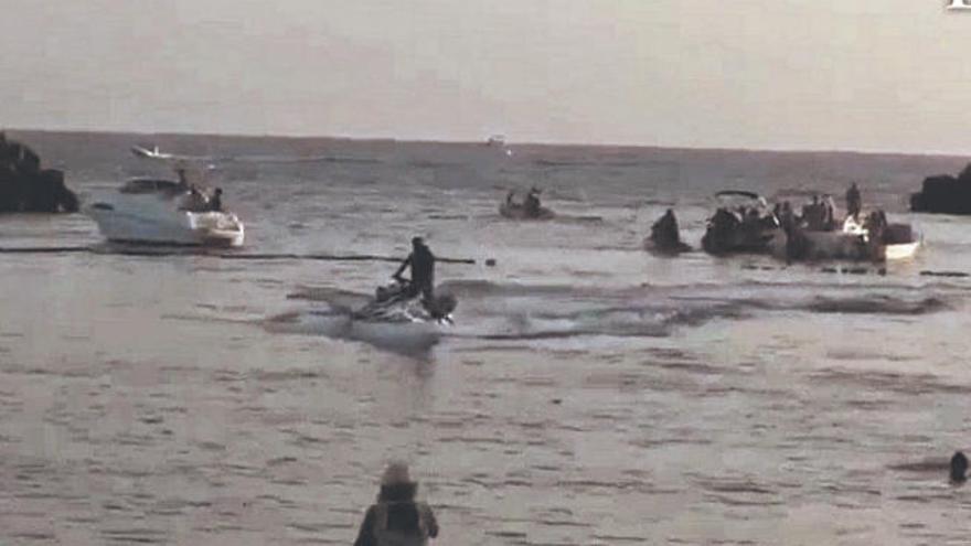 Diez multados al poner en riesgo a los bañistas y por altercados en Gran Canaria