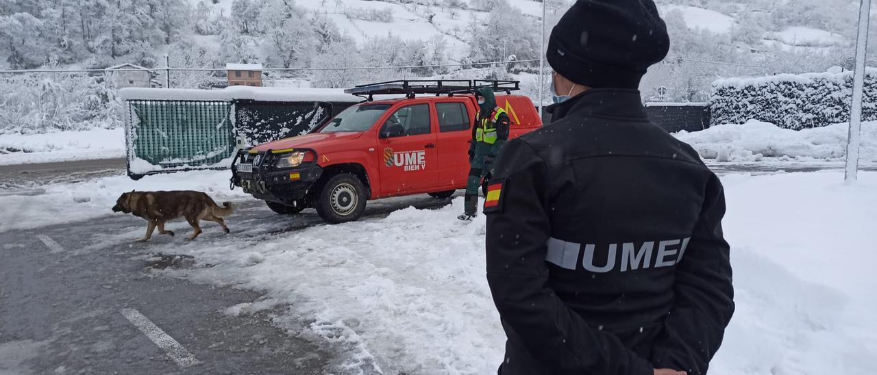 La UME se incorpora a la búsqueda del operario desaparecido tras un alud San Isidro   LUIMSA MURIAS