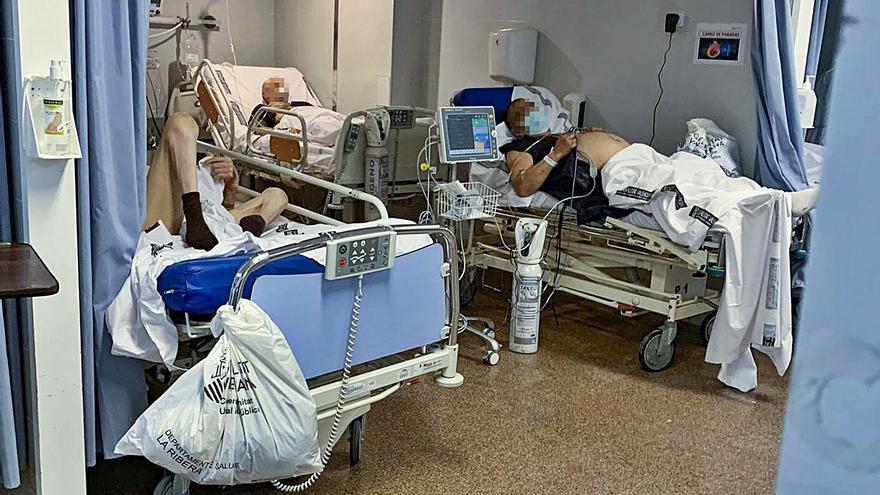 La pandemia deja una larga lista de espera en un hospital de Alzira exhausto