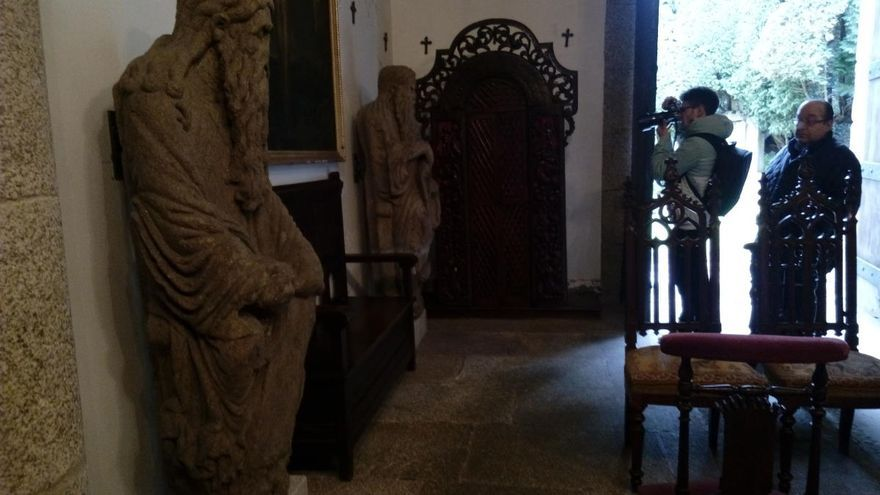 La Xunta no autoriza a los Franco el traslado de las estatutas del Mestre Mateo de Meirás